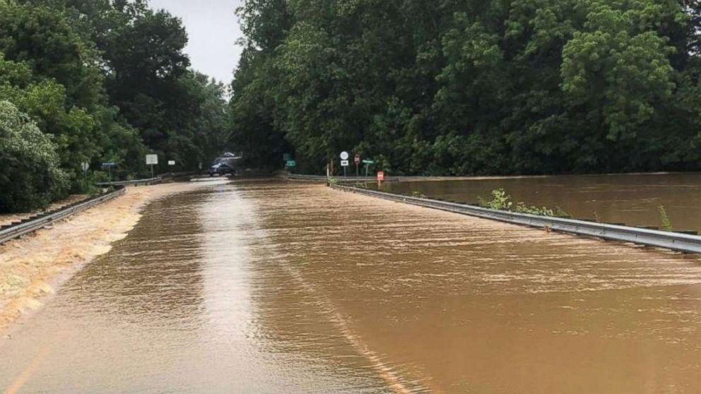 http://a.abcnews.com/images/US/culpeper-county-flood-ho-mo-20180623_hpMain_16x9_992.jpg