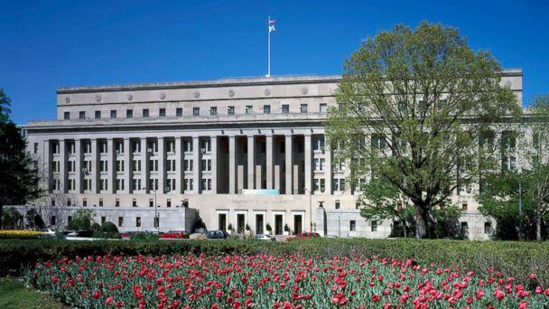 http://a.abcnews.com/images/US/dept-interior-headquarters-file-gty-jef-171214_16x9_608.jpg