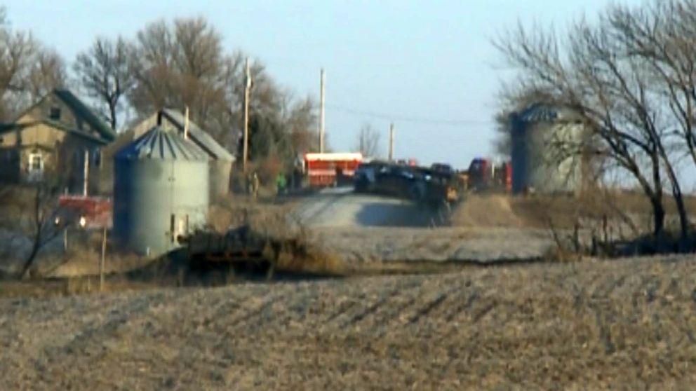 http://a.abcnews.com/images/US/fatal-bus-fire2-ht-mem-171212_16x9_992.jpg