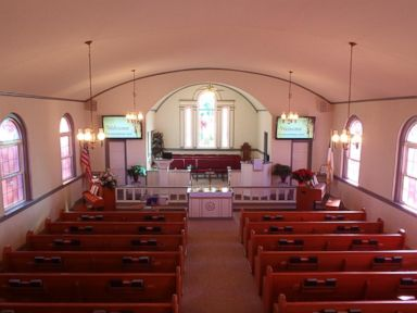 During discussion about guns in church, man accidentally shoots himself, wife: Police