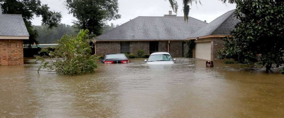 Many Texans without flood insurance as Harvey keeps ...