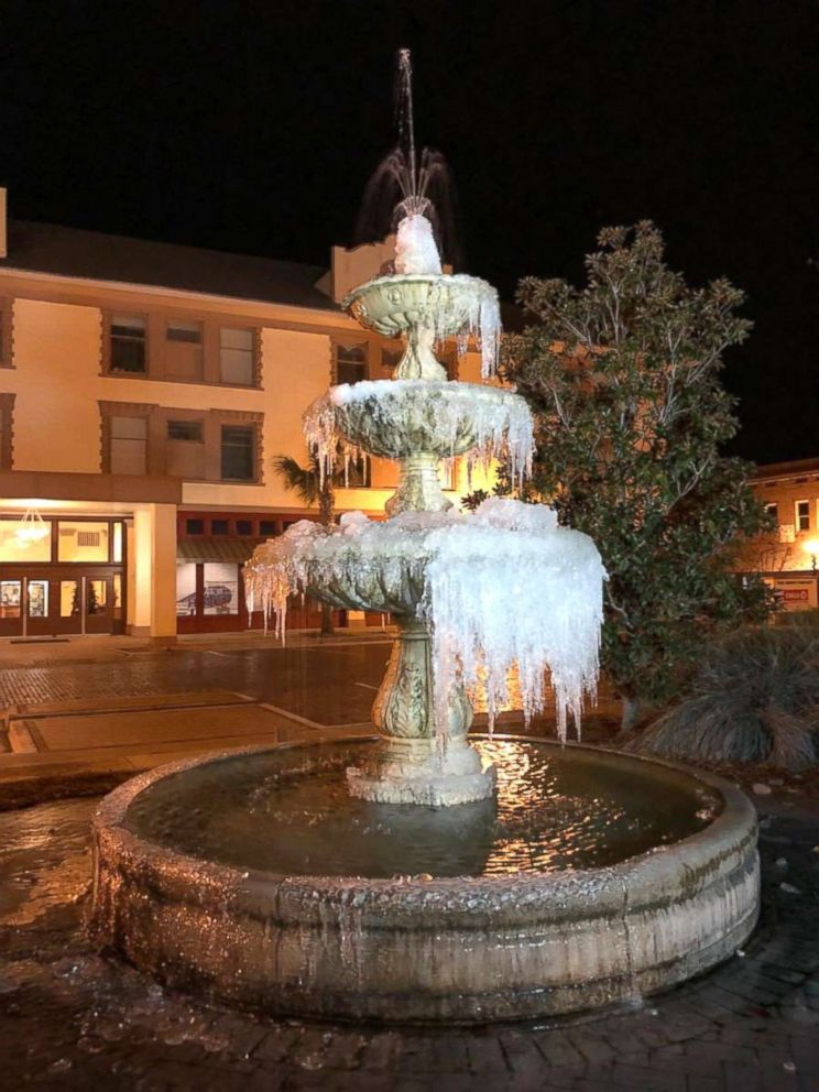 PHOTO: Temperatures hovering just below freezing causes this fountain in downtown Waycross, Ga., to freeze, Jan. 3, 2018.