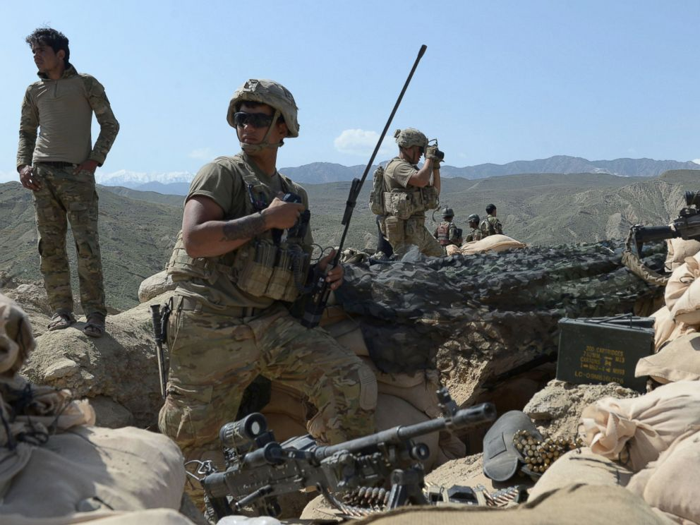 PHOTO: U.S, soldiers take up positions during an ongoing an operation against Islamic State (IS) militants in Achin district of Nangarhar province, Afghanistan, April 11, 2017.