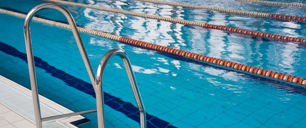 5 Children Sickened By 39 Cloud Of Chlorine Gas 39 At Florida Pool Abc News