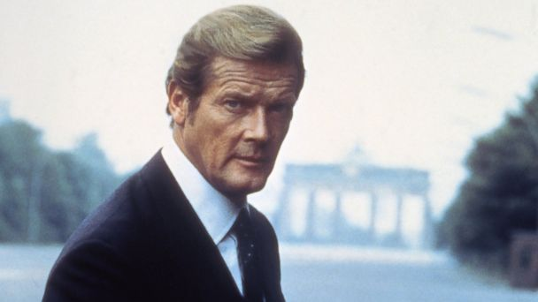 PHOTO: Actor Roger Moore on the set of