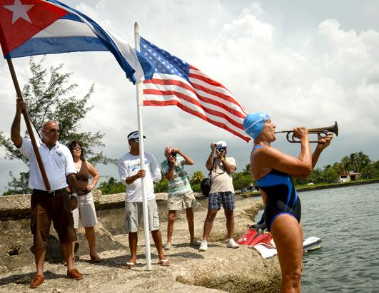 US swimmer Diana Nyad attempts to swim from Cuba to Florida 