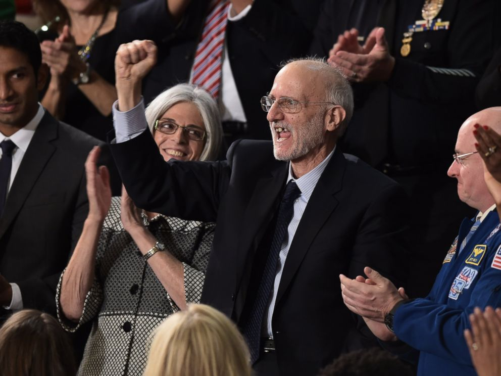PHOTO: Alan Gross, the U.S. contractor released from prison in Cuba last month, is applauded during US President Barack Obamas State of the Union address in Washington on Jan. 20, 2015.