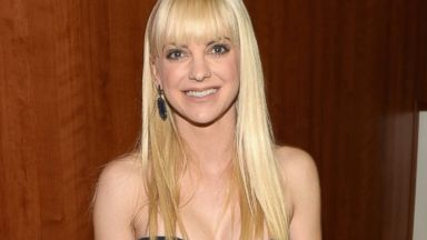 PHOTO: Actress Anna Faris attends the 56th GRAMMY Awards at Staples Center on Jan. 26, 2014 in Los Angeles, Calif.