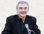 "PHOTO: Burt Reynolds attends dedication of ""Burt Reynolds Road"" on April 28, 2010 in West Palm Beach, Fla."