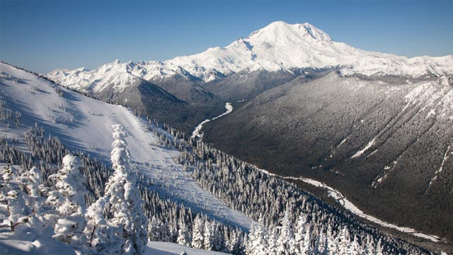 PHOTO: Mount Rainier and Crystal Mountain Ski Resort