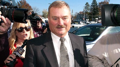 PHOTO: Former Penn State vice president Gary Schultz enters the courtroom for his arraignment, Nov. 7, 2011, in Harrisburg, Pa.