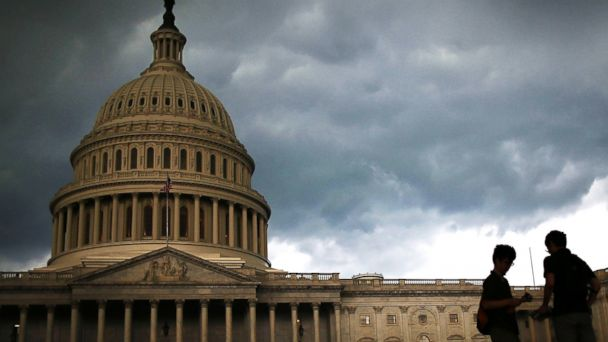 PHOTO: Storm clouds hang over the U.S. Capitol in Washington in this June 13, 2013 photo.