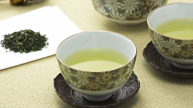 PHOTO: Give the Gift of Tea: Which Type Fights Fat?