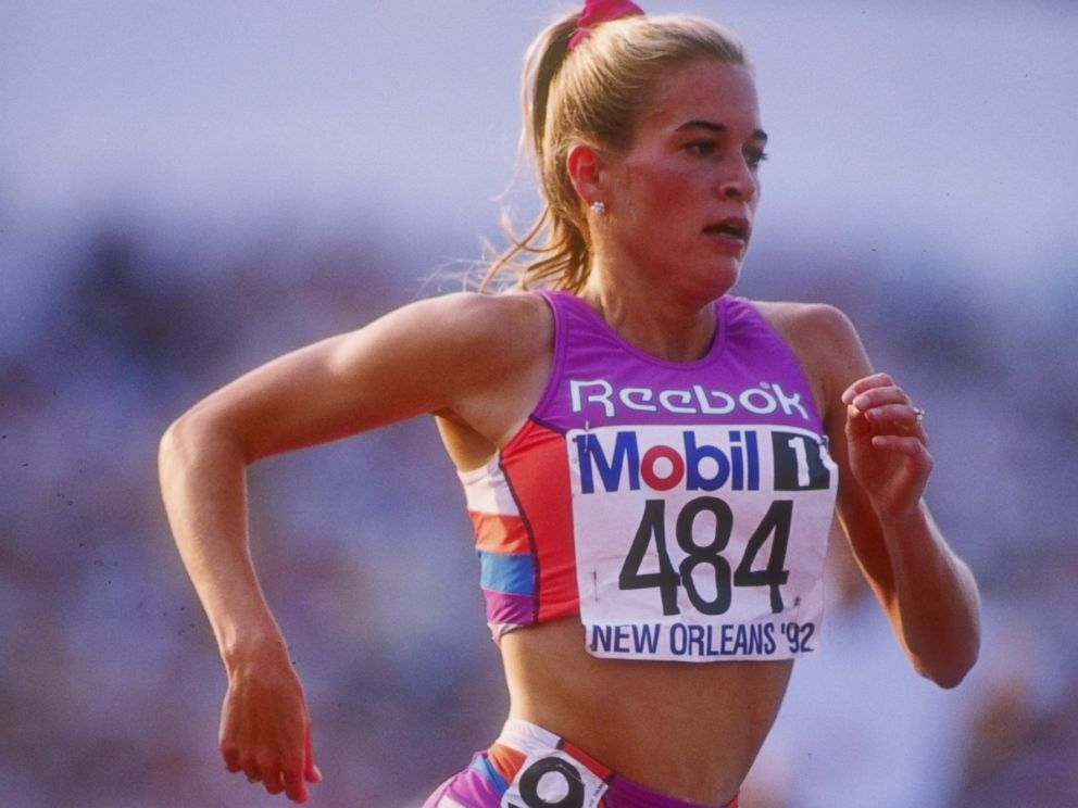 PHOTO: Suzy Hamilton runs down the track during the US Olympic Trials in 1992.