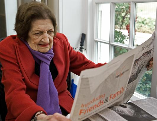 Pioneering Journalist Helen Thomas Dies at 92