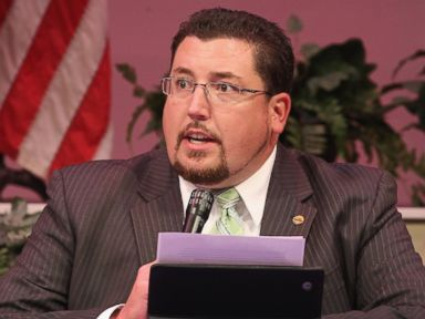 PHOTO: Mayor James Knowles presides over the city council meeting on Sept. 9, 2014 in Ferguson, Mo.