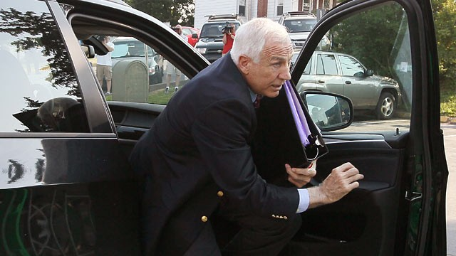 SANDUSKY ABUSE TRIAL DELIBERATIONS ENTER 2ND DAY