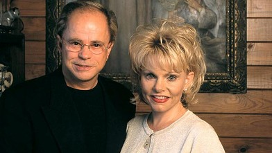 PHOTO: Lori and Jim Bakker are seen at their home in Fort Mills, South Carolina, Dec. 15, 1999.