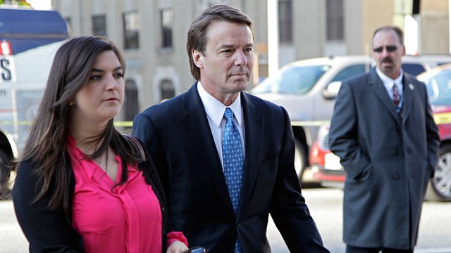 PHOTO: Former presidential candidate and U.S. Sen. John Edwards, center, arrives outside federal court with his daughter Cate, left, in Greensboro, N.C.