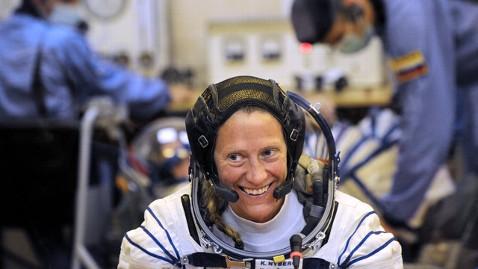 gty karen nyberg jt 130623 wblog Astronaut Attends High School Reunion From Space