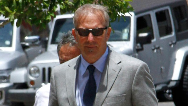 PHOTO: Kevin Costner arrives at the U.S. District Court Eastern District Of Louisiana on June 5, 2012 in New Orleans, Louisiana.