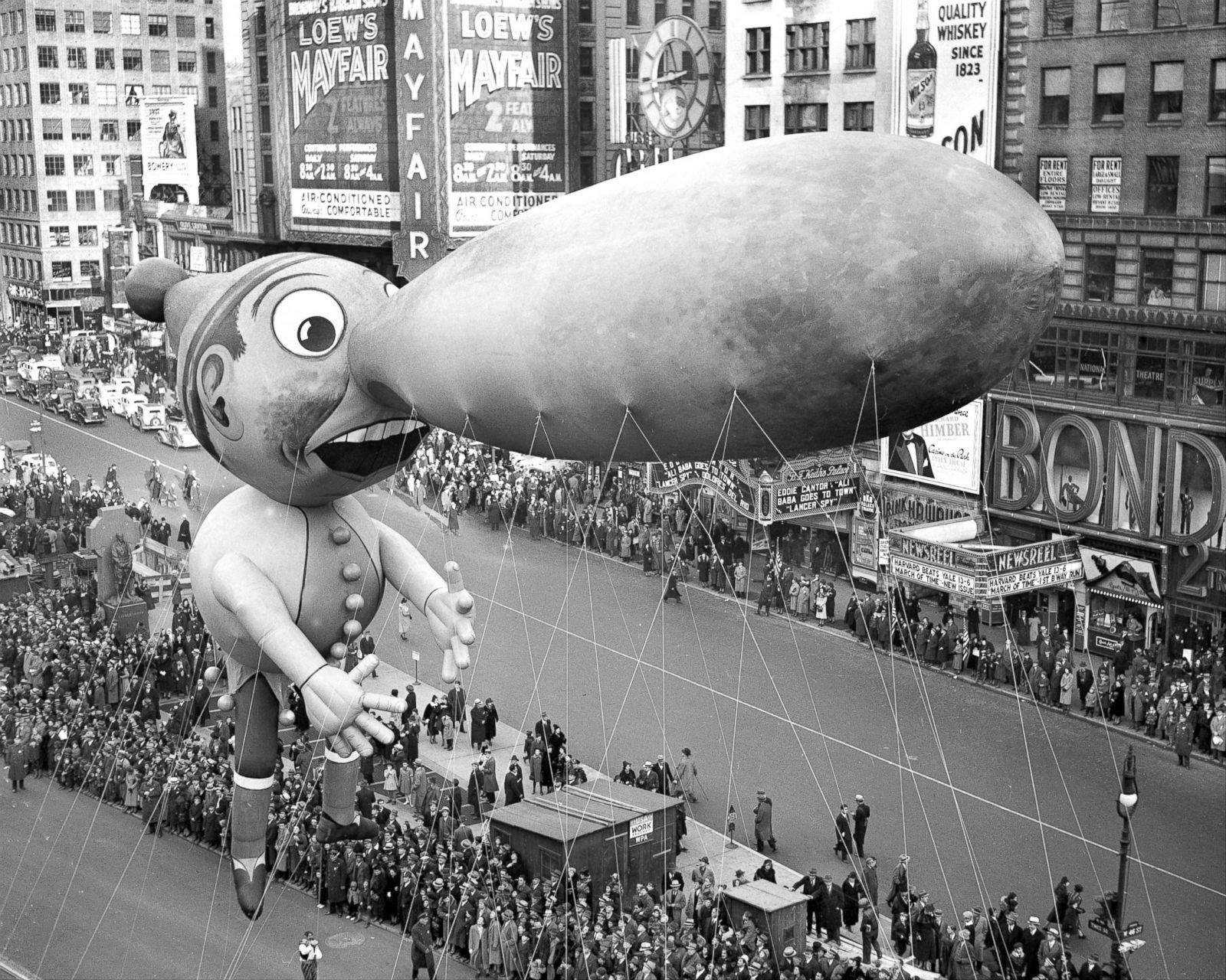 Macy's Thanksgiving Day Parade Through the Years Photos - ABC News