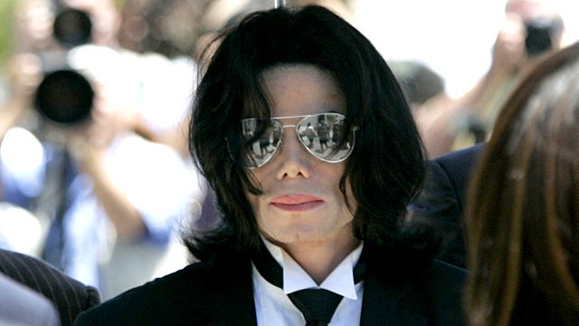 PHOTO: Michael Jackson arrives for the verdict at his child molestation trial at Santa Barbara County Courthouse in Santa Maria June 13, 2005.