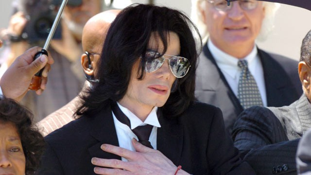 PHOTO: Michael Jackson leaves the Santa Barbara County Courthouse after a not guilty verdict in his child molestation trial June 13, 2005 in Santa Maria, California.