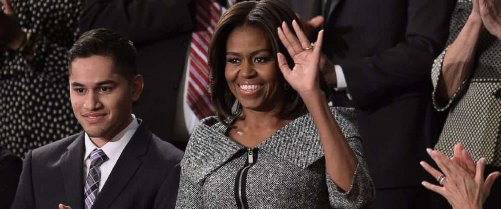 PHOTO: First Lady Michelle Obama is applauded as she arrives for President Barack Obamas State of the Union address, Washington, Jan. 20, 2015.
