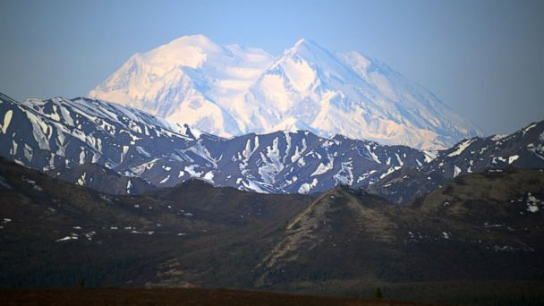 http://a.abcnews.com/images/US/gty_mount_mckinley_renamed_jc_150830_16x9_608.jpg