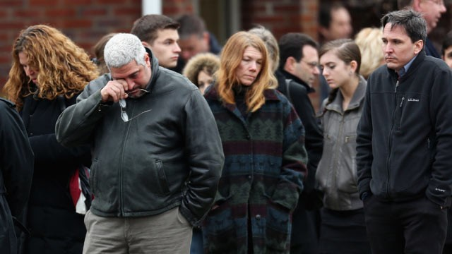 PHOTO: People arrive for the funeral services of six year-old Noah Pozner, who was  killed in the shooting massacre in Newtown, Conn. at Abraham L. Green and Son Funeral Home, Dec. 17, 2012, in Fairfield, Conn.