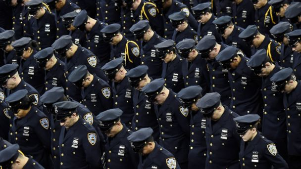 http://a.abcnews.com/images/US/gty_nypd_recruits_kb_150505_16x9_608.jpg