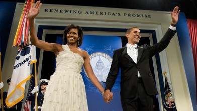 PHOTO: President Barack Obama and First Lady Michelle Obama arrive at the Obama Home States Inaugural Ball at the Washington Convention Center in Washington, D.C., Jan. 20, 2009.