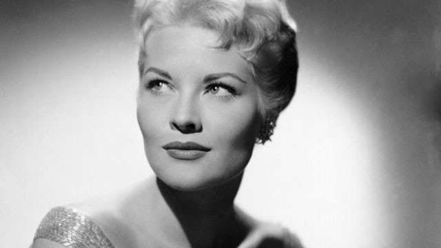PHOTO: An undated studio photo of Patti Page, circa 1970.