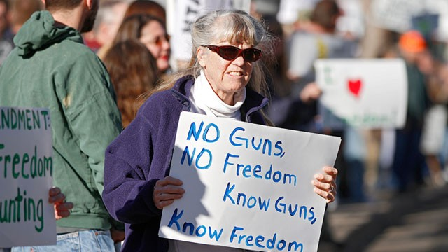 PHOTO: Second Amendment supporter Theresa White, of Estes Park, Colo., gathers with other activists in support of gun ownership, Jan. 9, 2013 in Denver.