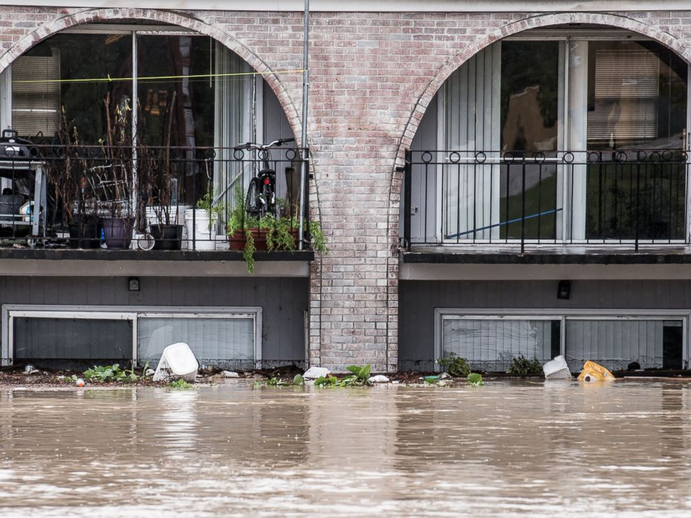PHOTO: Possessions are stacked in second floor apartments during heavy flooding Oct. 4, 2015 in Columbia, South Carolina.