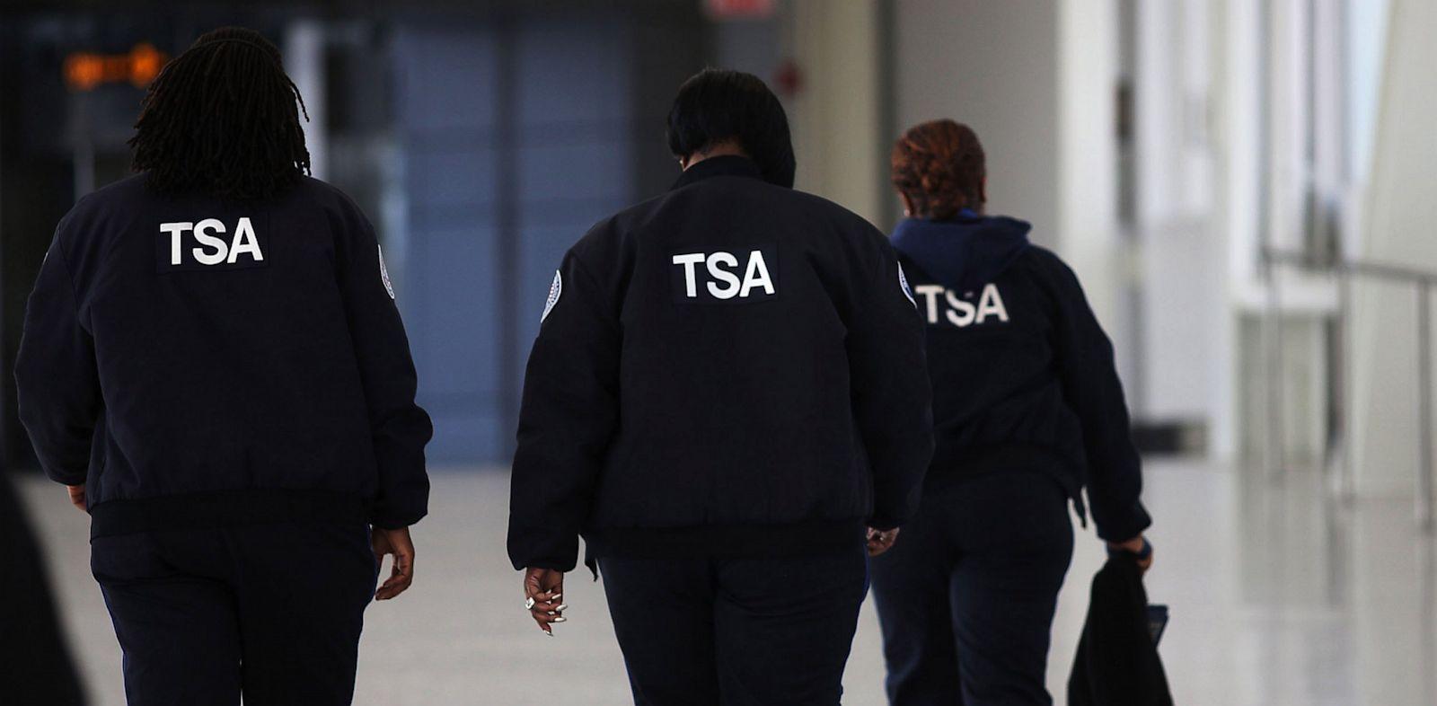 PHOTO: Transportation Security Administration (TSA) workers
