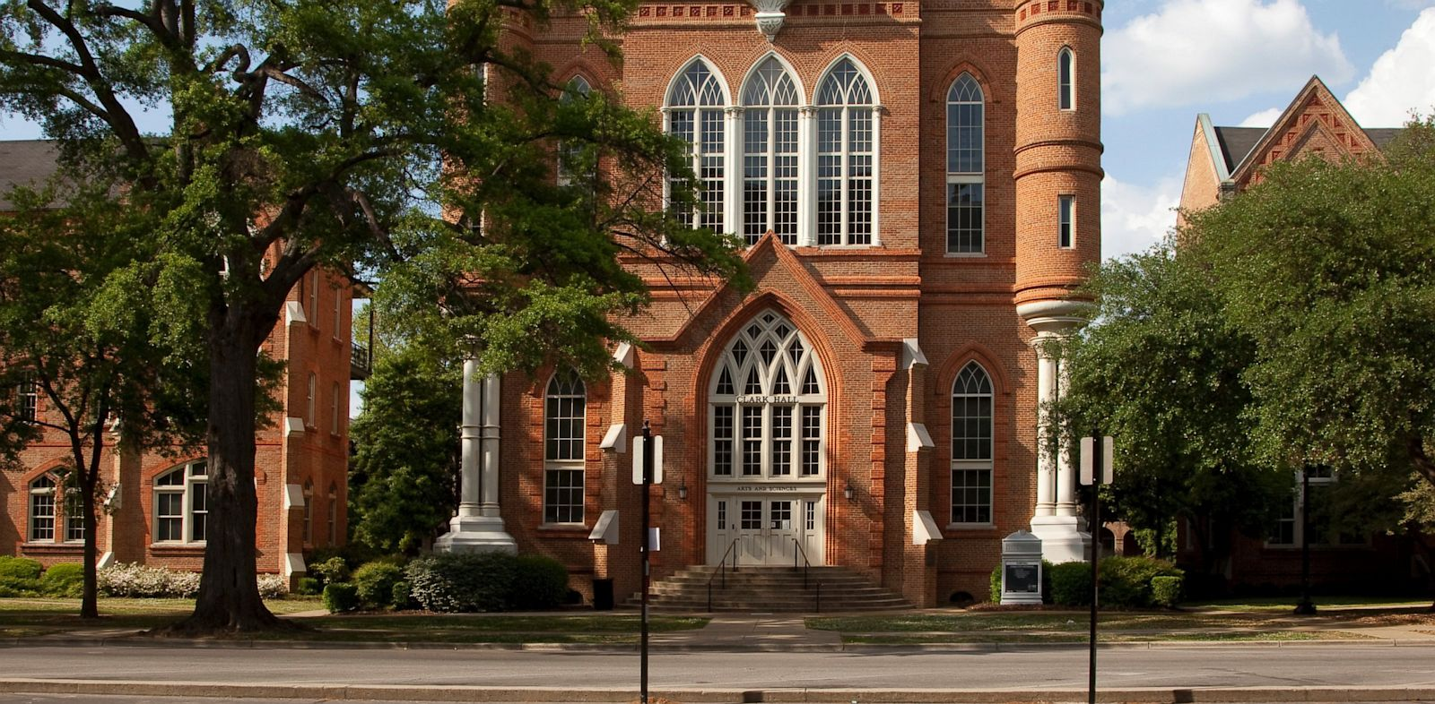 PHOTO: Clark Hall , University of Alabama