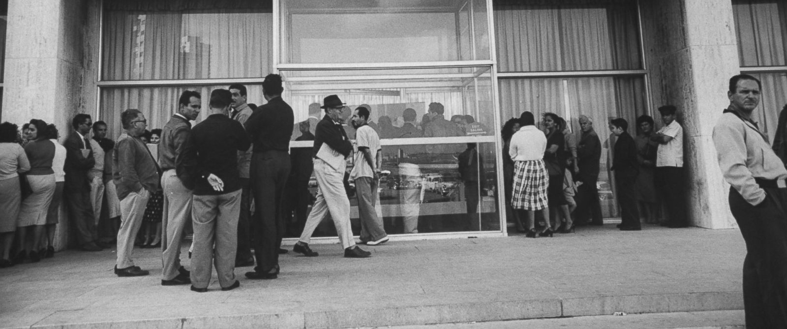 PHOTO: The U.S. Embassy in Havana was flooded with visa applicants at the time the U.S. broke diplomatic relations with Cuba in 1961.