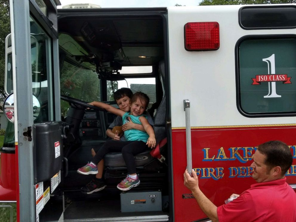 PHOTO: Gio Aponte and his sister Jules got a tour of the rig and took a ride with the firefighters in Lakeland, Fla., June 30, 2016.