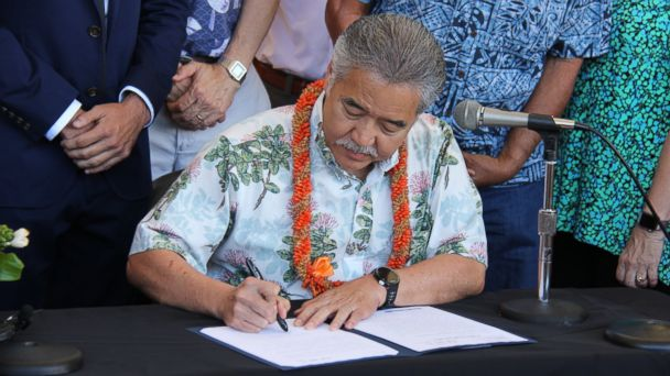 PHOTO: Hawaii became the first state Tuesday to enact a law that aligns with the Paris agreement.