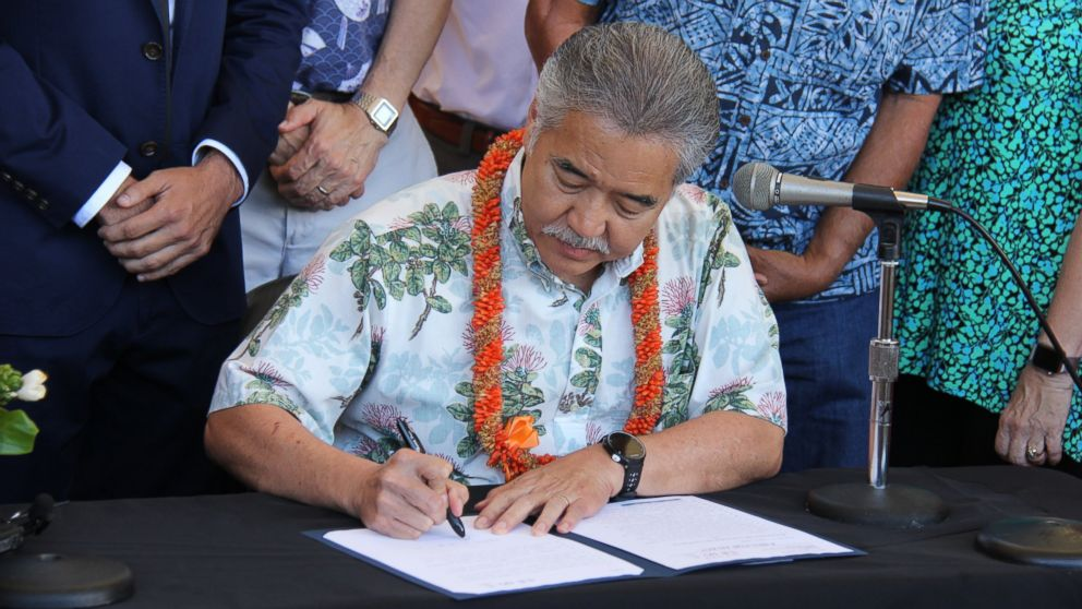 Hawaii enacts law to align goals with Paris climate accord