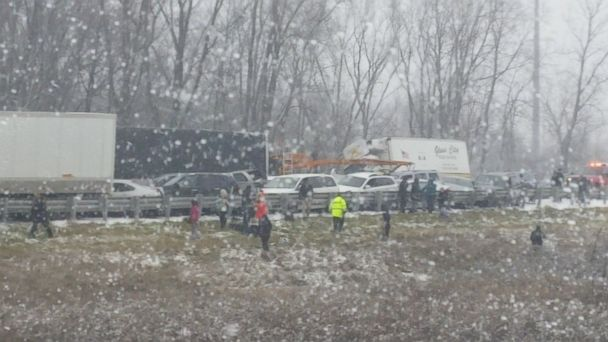 http://a.abcnews.com/images/US/ht-michigan-crash-2-er-161208_16x9_608.jpg