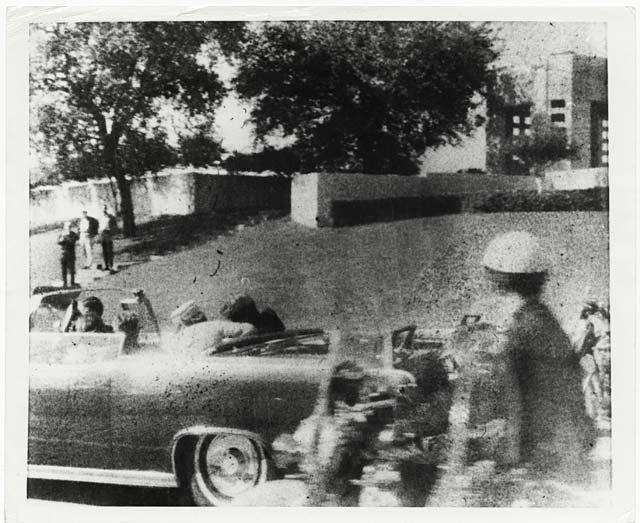 ht 1 JFK motorcade ll 131022 wblog JFK 1963: A Bystanders View of History