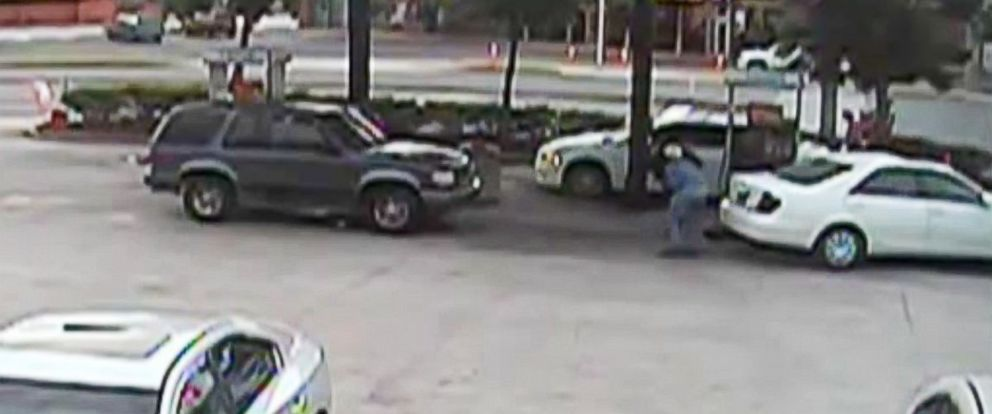 PHOTO: The Orange County Sheriffs office in Florida released surveillance video of 79-year-old Marvin Lail struggling with an armed man who attempted to rob him at a gas station on June 14, 2014.