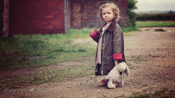 ht Liz Kreutz rabbit kb 131119 16x9 608 Thousands Rally to Find Little Girls Missing Best Friend Rabbit