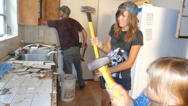 "PHOTO: Willow Tufano and her sister Iris remodel their home on ""Family Demo Day."""
