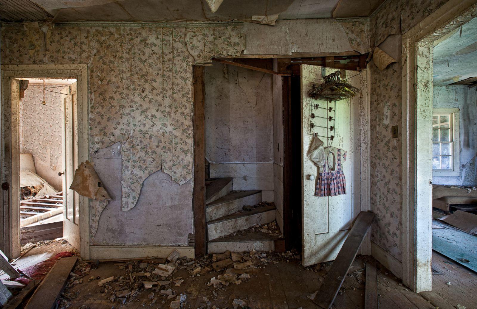 Abandoned america everything left behind photos image for Abandoned neighborhoods in america