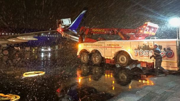 PHOTO: A de-icing truck came in contact with an Alaska Airlines aircraft at Boston''s Logan International Airport on March 10, 2017.