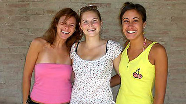 PHOTO: Amanda Knox is pictured with her roommates, Laura Mezzetti and Filomena Romanelli in this undated family photo.